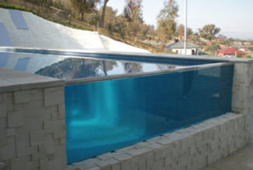 Choosing the Right Swimming Pool Fencing