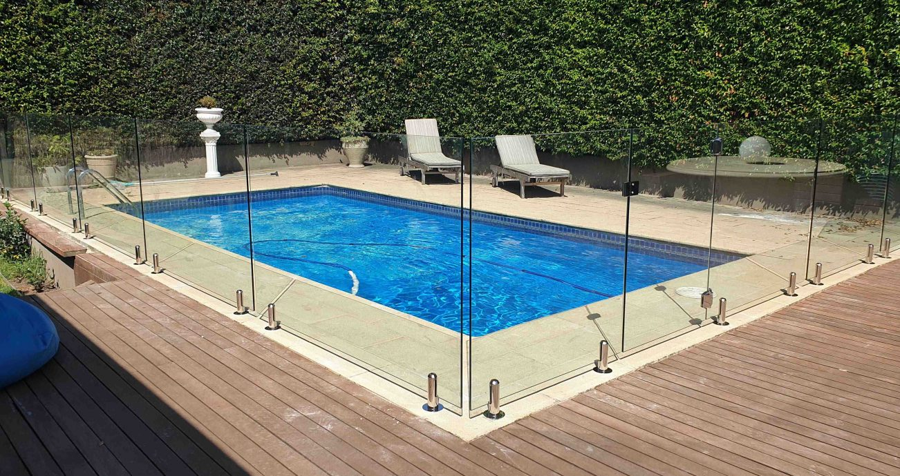 Picture of: Melbourne Glass Pool Fencing Frameless Semi Framed Pool Fencing